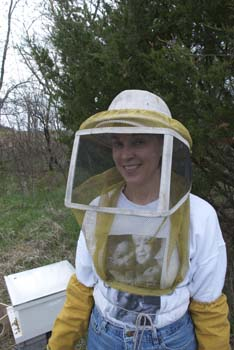 Peg the apiarist